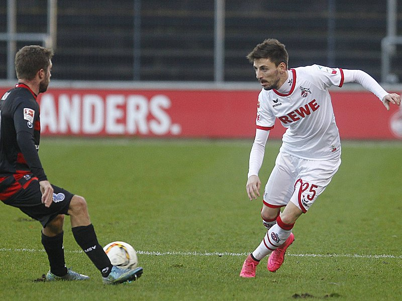 1. FC Köln - MSV Duisburg Testspiel Koeln Deutschland Datum: 09.01.2016 Links: Nico Klotz (MSV Duisburg) Rechts: Filip Mladenovic (1. FC Köln) 1 FC Cologne MSV Duisburg try out Cologne Germany date 09 01 2016 left Nico Klotz MSV Duisburg right Filip Mladenovic 1 FC Cologne