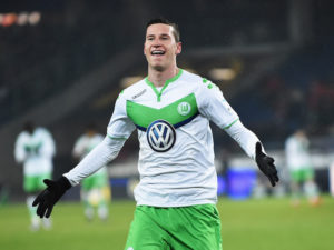 HANOVER, GERMANY - MARCH 01:  Julian Draxler of Wolfsburg celebrates scoring the fourth goal during the Bundesliga match between Hannover 96 and VfL Wolfsburg at HDI-Arena on March 1, 2016 in Hanover, Germany.  (Photo by Stuart Franklin/Bongarts/Getty Images)