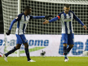 BERLIN, GERMANY - NOVEMBER 27:  Vedad Ibisevic (R) of Hertha BSC celebrates after scoring his team's first goal during the Bundesliga match between Hertha BSC and 1. FSV Mainz 05 at Olympiastadion on November 27, 2016 in Berlin, Germany.  (Photo by Boris Streubel/Bongarts/Getty Images)