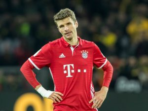 Dortmund, GERMANY - NOVEMBER 19: Thomas Mueller of Bayern Muenchen show their disappointment after the Bandesliga soccer match between BV Borussia Dortmund and FC Bayern Muenchen at the Signal Iduna Park in Dortmund, Germany on November 19, 2016. (Photo by TF-Images/Getty Images)