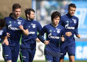 GELSENKIRCHEN, GERMANY - MARCH 28: Coke of Schalke, Atsuto UCHIDA of Schalke, Franco DI SANTO of Schalke looks on during a training session at the Schalke 04 Training center on March 28, 2017 in Gelsenkirchen, Germany. (Photo by TF-Images/Getty Images)