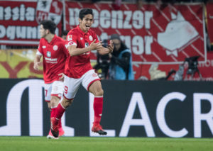 MAINZ, GERMANY - APRIL 05:  Yoshinori Muto of Mainz celebrates his team's second goal during the Bundesliga match between 1. FSV Mainz 05 and RB Leipzig at Opel Arena on April 5, 2017 in Mainz, Germany.  (Photo by Simon Hofmann/Getty Images)
