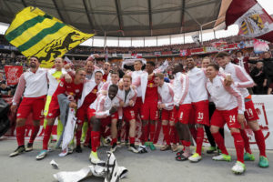 BERLIN, GERMANY - MAY 06:  The team of RB Leipzig celebrate the participation of the UEFA Champions League in the next season after winning the Bundesliga match between Hertha BSC and RB Leipzig at Olympiastadion on May 6, 2017 in Berlin, Germany.  (Photo by Boris Streubel/Bongarts/Getty Images)